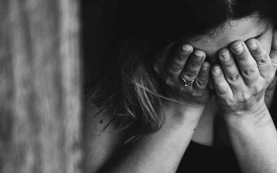 αντιδραστική κατάθλιψη, κλινική κατάθλιψη, διαφορές αντιδραστικής και κλινικής κατάθλιψης, θεραπεία
