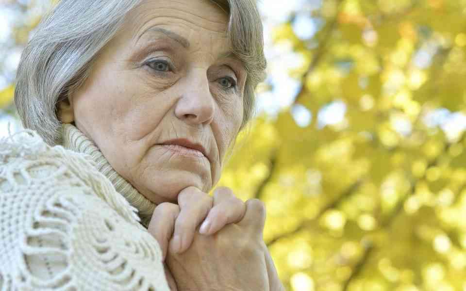 κατάθλιψη, ηλικιωμένοι, συμπτώματα κατάθλιψης στους ηλικιωμένους,θεραπεία κατάθλιψης στους ηλικιωμένους