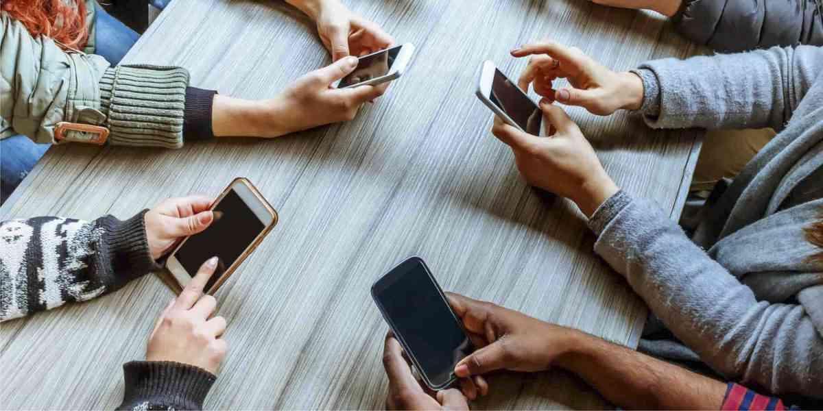 μέσα κοινωνικής δικτύωσης, πως μας επηρεάζουν τα μέσα κοινωνικής δικτύωσης