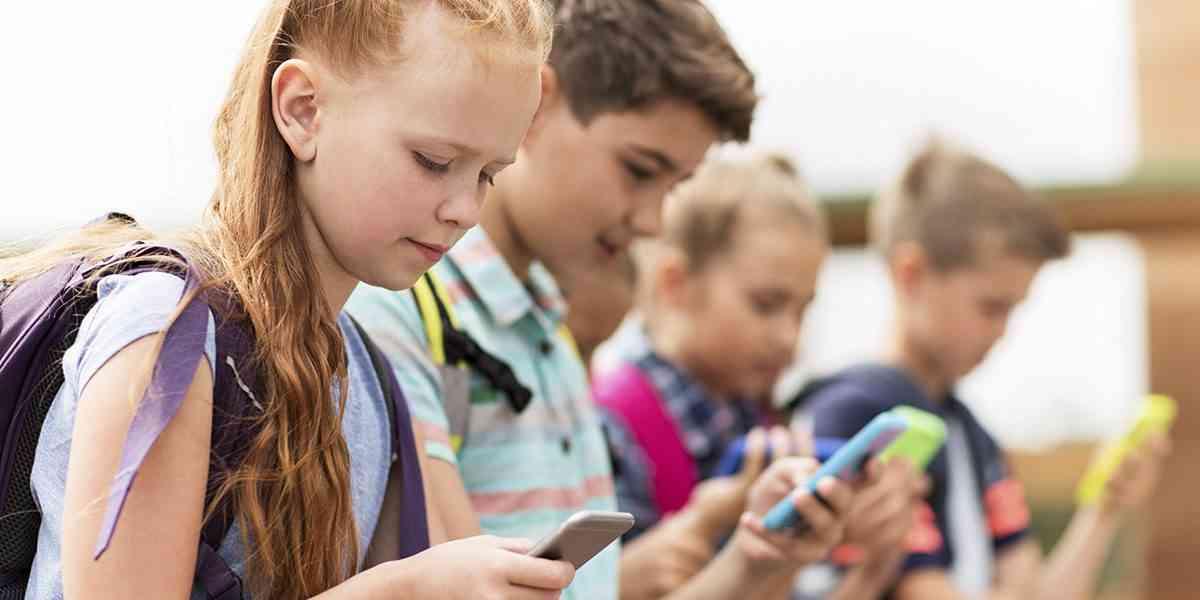 παιδιά, κινητά τηλέφωνα και tablet σε παιδιά, ψυχική υγεία παιδιών