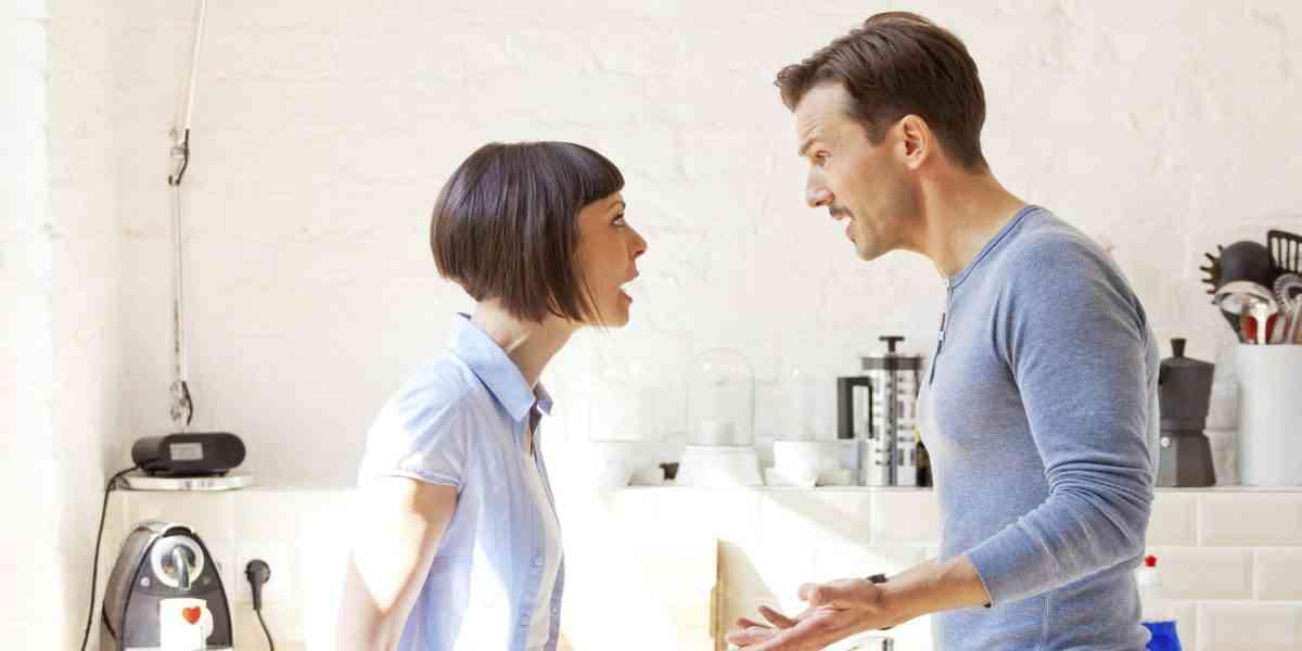 ζευγάρι, σχέσεις, δυσαρέσκεια, θυμός
