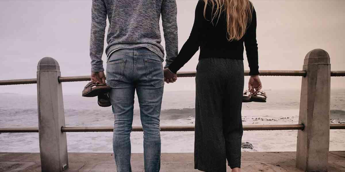 Αν τα ραντεβού σας πρέπει να μιλάτε καθημερινά dating με αγγελίες στο Λονδίνο