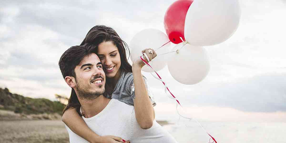 σχέσεις, μακροχρόνιες σχέσεις, οικειότητα, δέσμευση, πάθος, αγάπη, μορφές αγάπης, παράγοντες που βοηθούν τις μακροχρόνιες σχέσεις