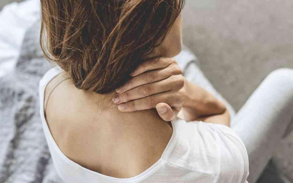 χρόνιος πόνος, κορωνοιός, ανοσοποιητικό σύστημα