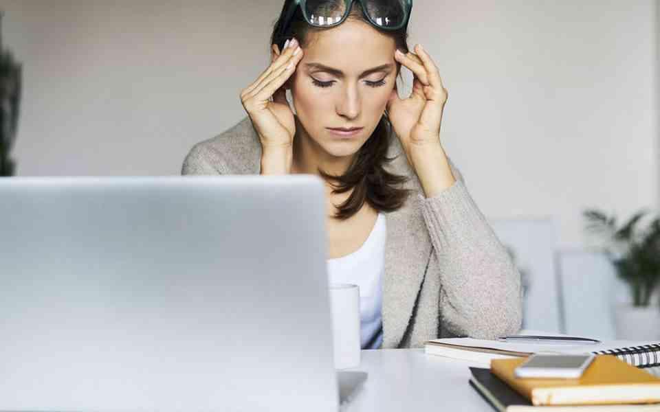 κορωνοϊ'ος, εργασιακό άγχος, αβεβαιότητα