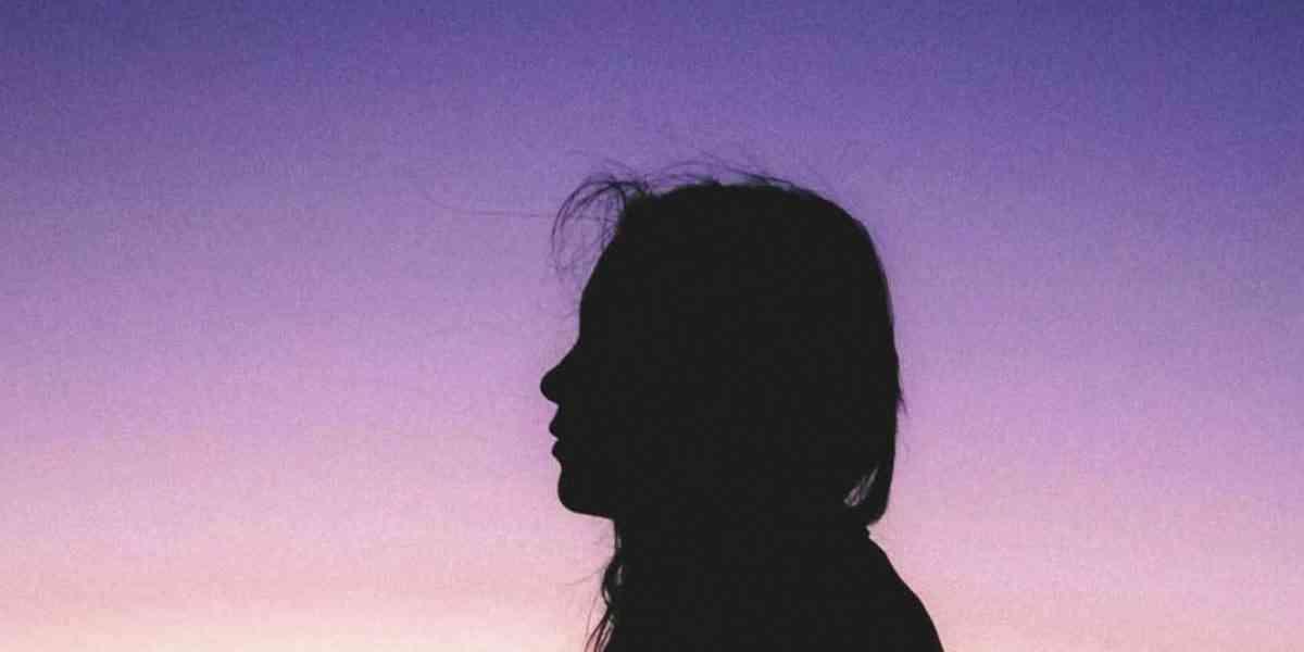 μείζονα κατάθλιψη, μείζονα καταθλιπτική διαταραχή, συμπτώματα μείζονος κατάθλιψης, θεραπεία κατάθλιψης