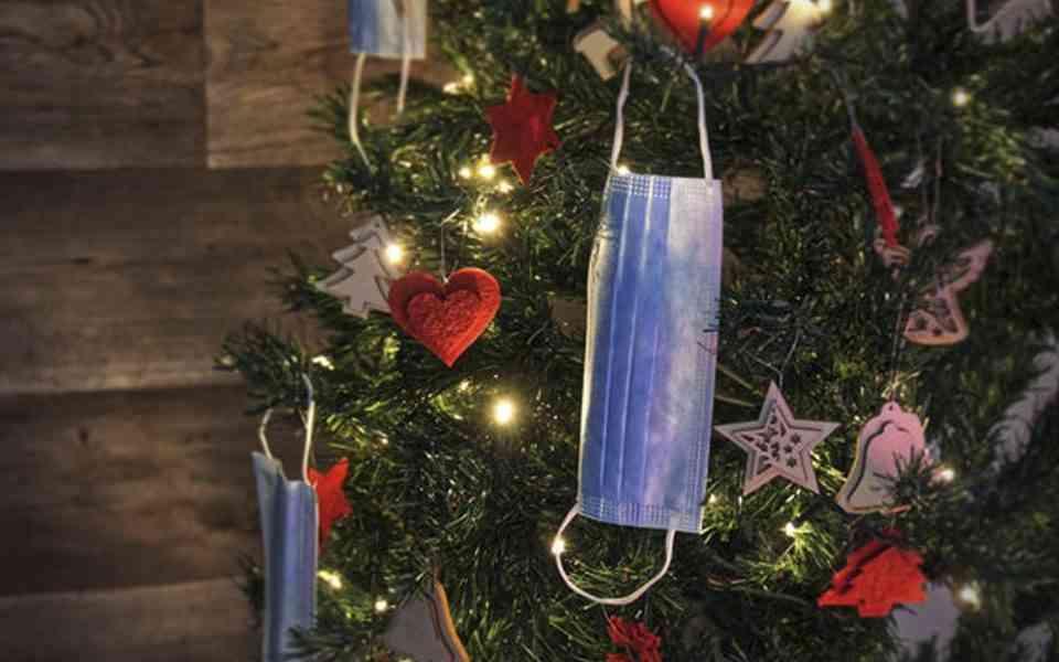 Χριστούγεννα, κορωνοϊός, πως θα κάνετε όμορφες τις γιορτές στην περίοδο της πανδημίας, χριστούγγενα καικορωνοϊός, ποιοτικός χρόνος, ουσιαστικές σχέσεις, όνειρα για το μέλλον