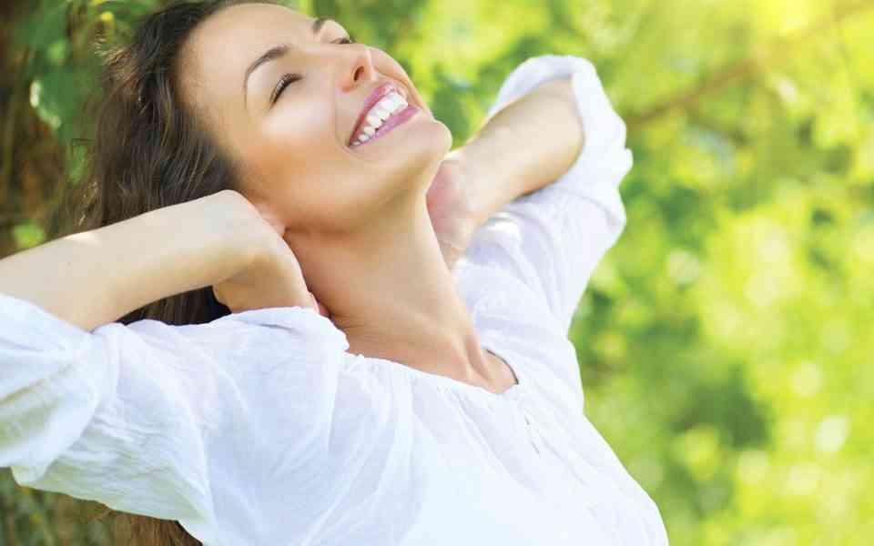 ευτυχία, κυνήγι ευτυχίας, μύθοι για την ευτυχία, αλήθειες για την ευτυχία, τρόποι για να βρείτε την ευτυχία