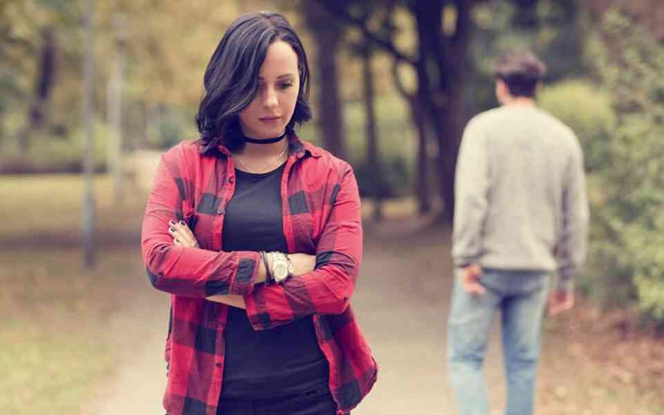 τοξική σχέση, πως να τελειώσετε μια τοξική σχέση, πως να αφήσετε πίσω σας μια τοξική σχέση, επιδράσεις τοξικών σχέσεων, γιατί οι άνθρωποι παραμένουν σε τοξικές σχέσεις