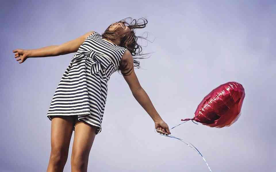 ευτυχία, ψυχική υγεία, ψυχική υγεία και ευτυχία, πως η ψυχική υγεία επηρεάζει την ευτυχία, τρόποι αντιμετώπισης θεμάτων ψυχικής υγείας, βήματα προς την ευτυχία