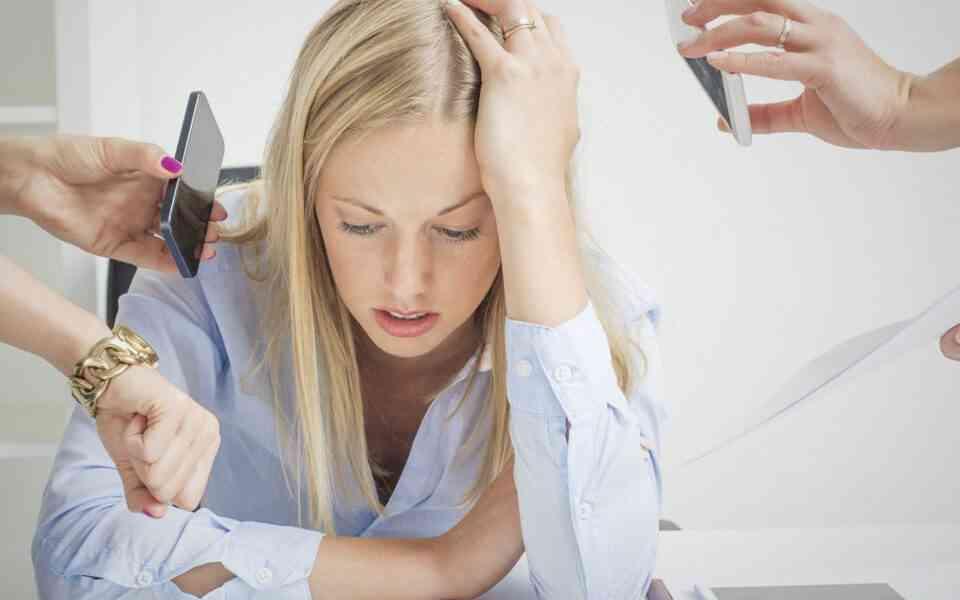burnout, τι είναι το burnout,σημάδια burnout, στάδια burnout , πρόληψη burnout