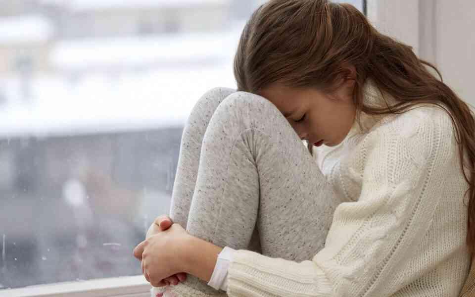 τοξικοί γονείς, χαρακτηριστικά τοξικών γονέων, επιδράσεις τοξικών γονέων στα παιδιά, πως οι τοξικοί γονείς σας επηρεάζουν, πως να αντιμετωπίσετε τους τοξικούς γονείς