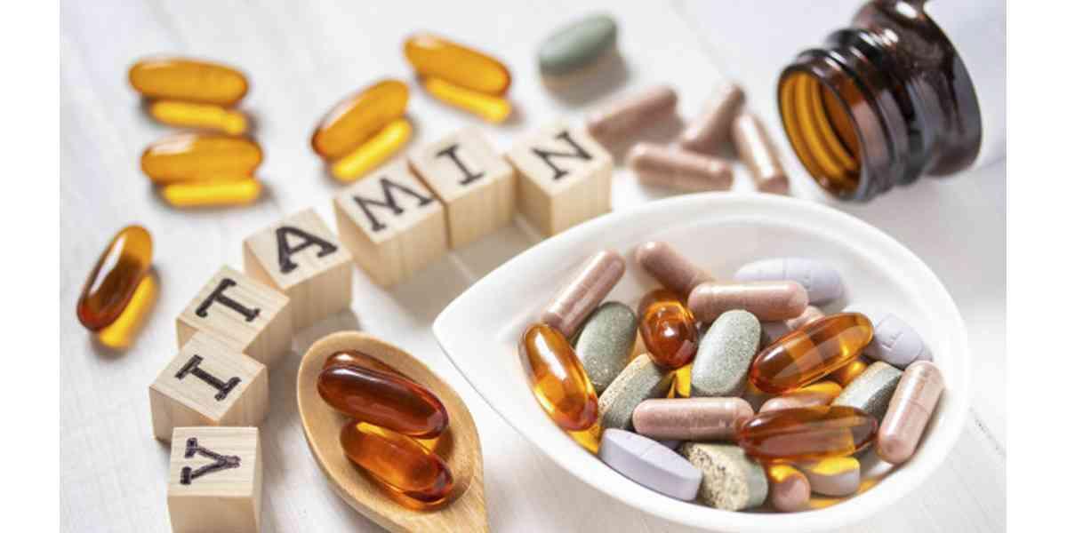 βιταμίνες, φάρμακα, αλληλεπίδραση βιταμινών και φαρμάκων, ποιες βιταμίνες αλληλεπιδρούν με φάρμακα , ποια φάρμακα αλληλεπιδρούν με βιταμίνες, βιταμίνες Β, βιταμίνη Κ, βιταμίνη Α