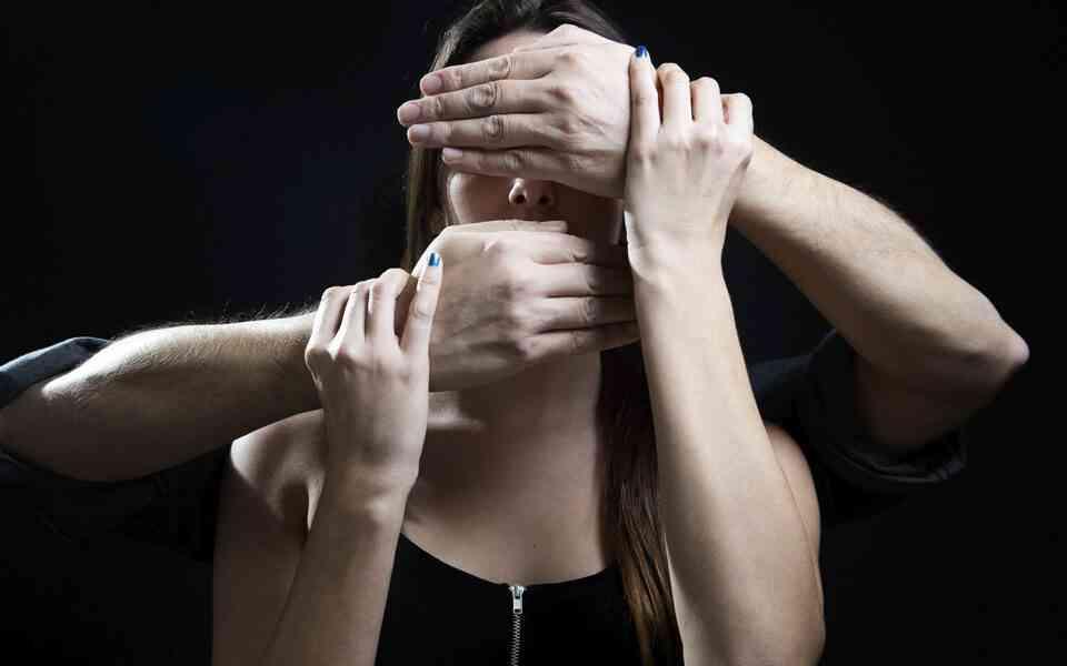 συναισθηματική κακοποίηση, σημάδια συναισθηματικής κακοποίησης,επιδράσεις συναισθηματικής κακοποίησης, αντιμετώπιση συναισθηματικής κακοποίησης, συναισθηματική κακοποίηση στη σχέση