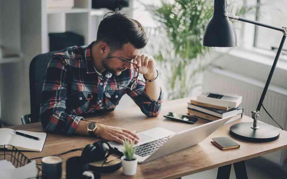εργασιακό άγχος, εργασιακό στρες, συμπτώματα εργασιακού στρες, αιτίες εργασιακού άγχους, αντιμετώπιση εργασιακού άγχους