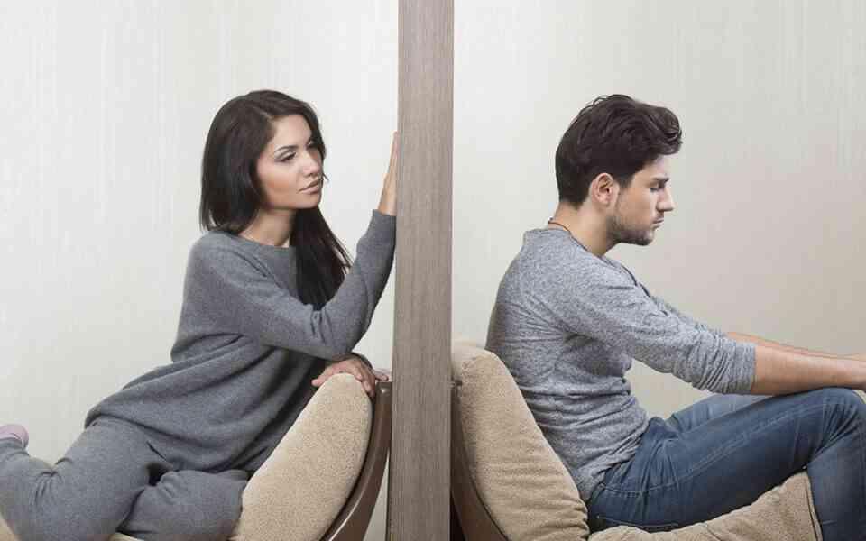 χωρισμός, γιατί είναι τόσο δύσκολος ο χωρισμός, ποιοι παράγοντες κάνουν δύσκολο το χωρισμό, παράγοντες που δυσκολεύουν το χωρισμό, ο χωρισμός προκαλεί πόνο, αντίσταση στην αλλαγή, αντιμετώπιση χωρισμού