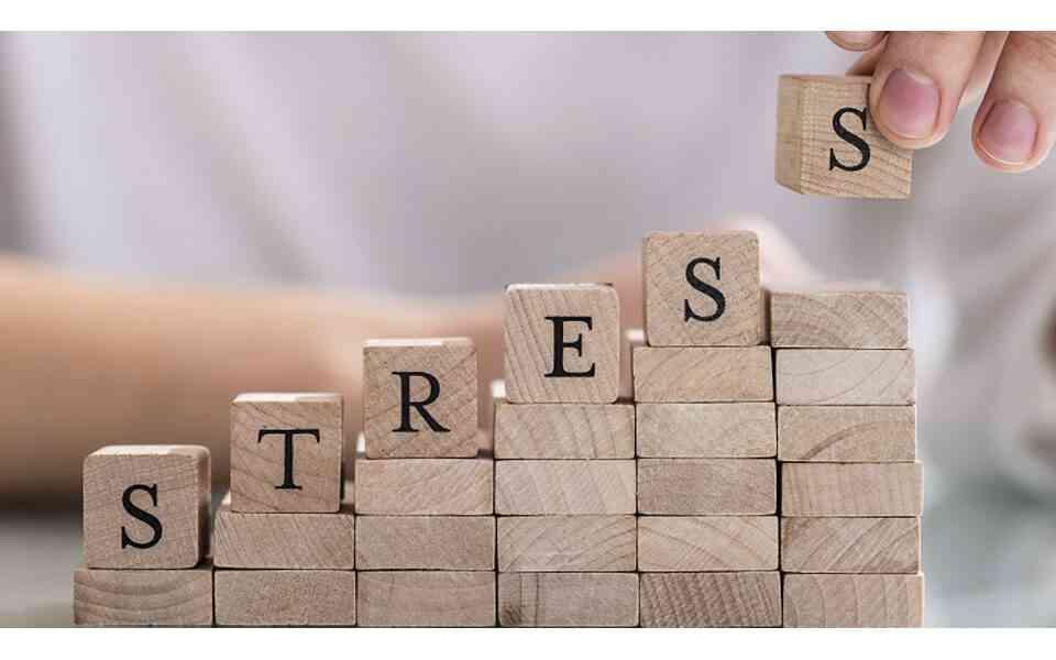 συσσωρευτικό άγχος, τι είναι το συσσωρευτικό άγχος, θεωρία συσσωρευτικού άγχους, αντιμετώπιση συσσωρευτικού άγχους