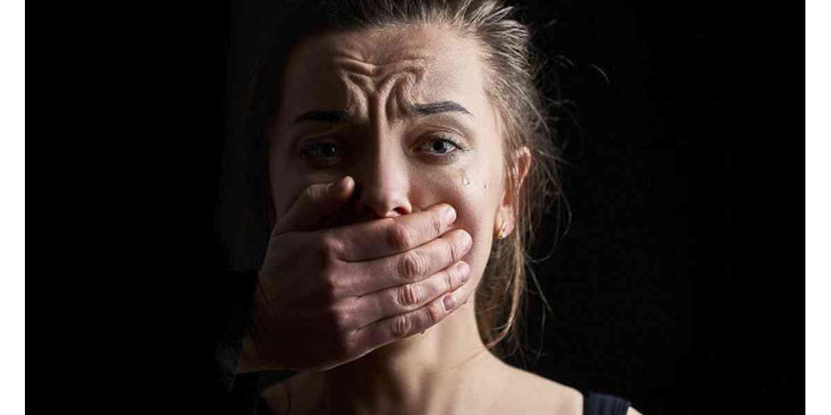ενδοοικογενειακή βία, τι είναι η ενδοοικογενειακή βία, σημάδια ενδοοικογενειακής βίας, αναγνώριση ενδοοικογενειακής βίας, αντιμετώπιση ενδοοικογενειακής βίας