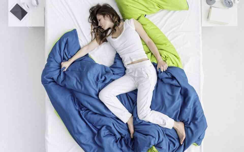 σύνδρομο ανήσυχων ποδιών, τι είναι το σύνδρομο ανήσυχων ποδιών, συμπτώματα συνδρόμου ανήσυχων ποδιών, αιτίες συνδρόμου ανήσυχων ποδιών, σύνδρομο ανήσυχων ποδιών και ύπνος, αντιμετώπιση συνδρόμου ανήσυχων ποδιών