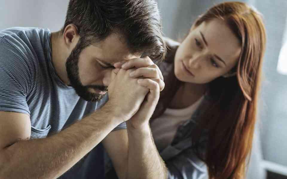 μετατραυματικό στρες, διαταραχή μετατραυματικού στρες, συμπτώματα διαταραχής μετατραυματικού στρες, πως επηρεάζει το μετατραυματικό στρες τις σχέσεις, επίδραση μετατραυματικού στρες στις σχέσεις, πως να βοηθήσετε το σύντροφό σας με μετατραυματικό στρες