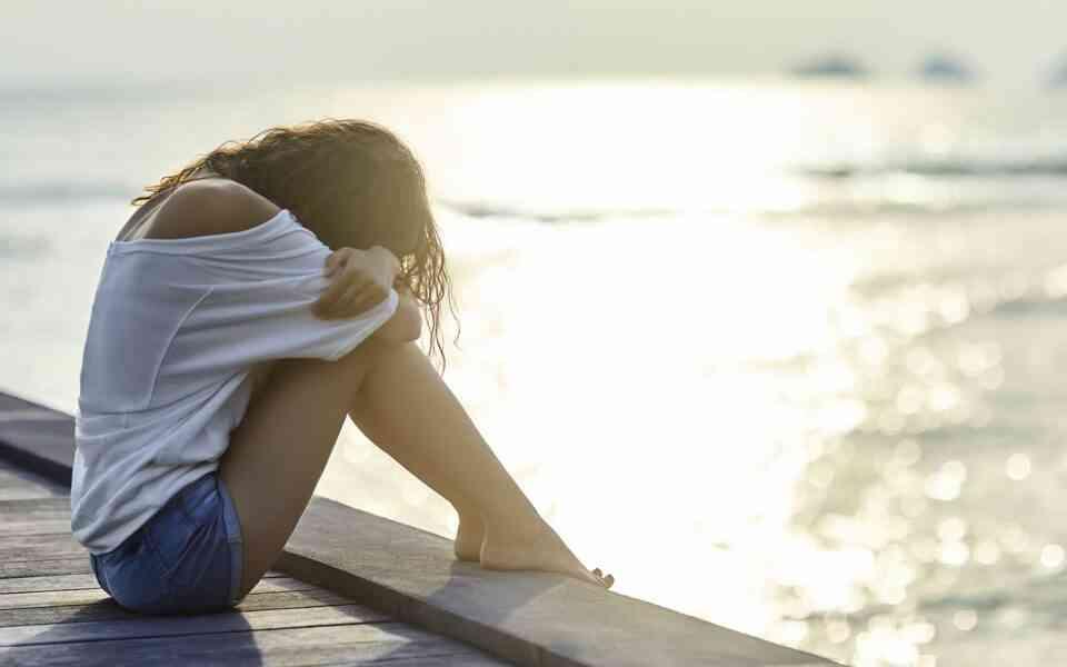 καλοκαιρινή κατάθλιψη, συμπτώματα καλοκαιρινής κατάθλιψης, αιτίες καλοκαιρινής κατάθλιψης , αντιμετώπιση καλοκαιρινής κατάθλιψης