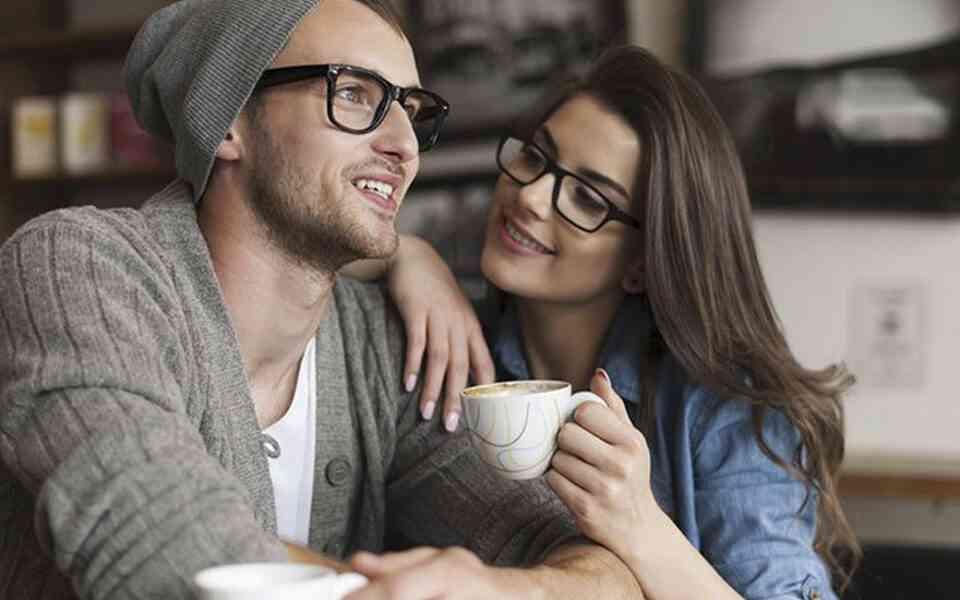επικοινωνία στη σχέση, ειλικρινής επικοινωνία στη σχέση, ανοιχτή επικοινωνία στη σχέση, πως θα επικοινωνήσετε με το σύντροφό σας, γιατί είναι σημαντική η επικοινωνία στη σχέση, τρόποι επικοινωνίας στη σχέση