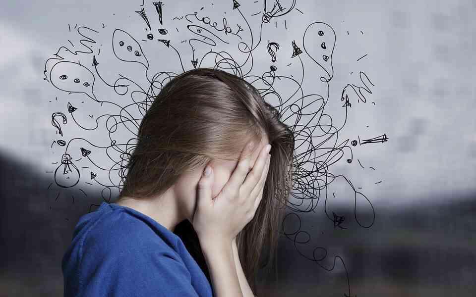 αρνητικός τρόπος σκέψης, τι είναι ο αρνητικός τρόπος σκέψης, γνωστικές στρεβλώσεις, πως να αντιμετωπίσετε τον αρνητικό τρόπο σκέψης, πως θα ενισχύσετε το θετικό τρόπο σκέψης