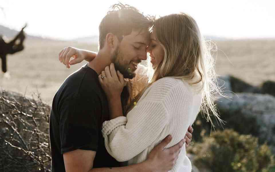 σχέσεις, οικειότητα στη σχέση, πως θα κρατήσετε ζωντανή τη φλόγα στη σχέση σας, πως θα κρατήσετε ζωντανή τη σχέση σας